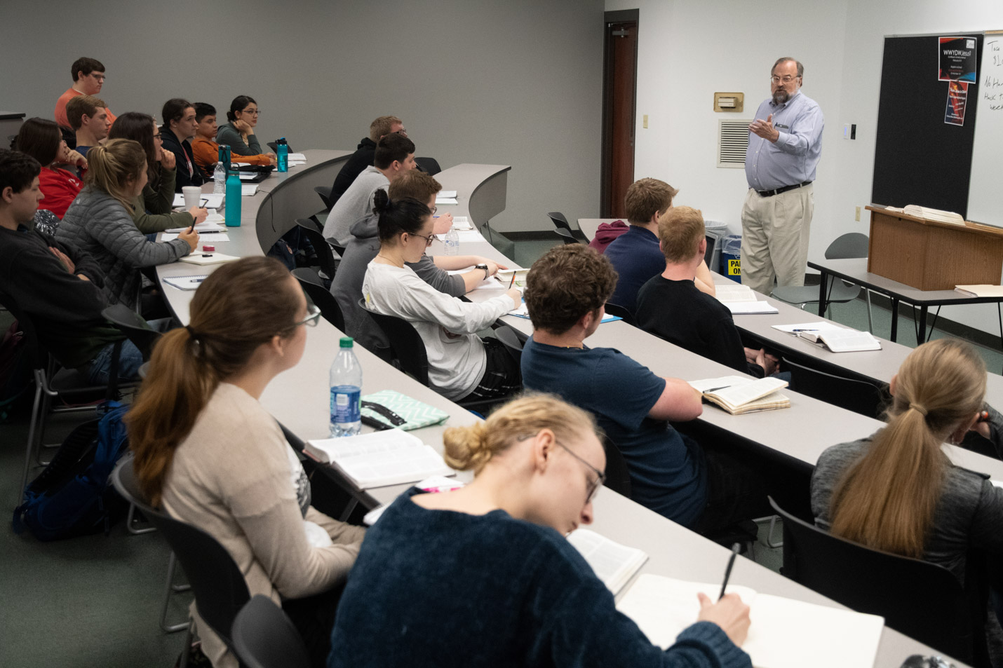 This is a photo of a Bible class at Harding.